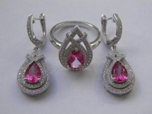 серебряный комплект с розовыми топазами