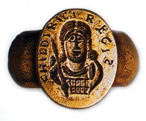 античное кольцо