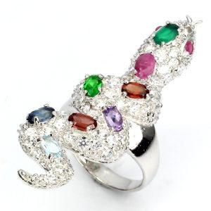 Серебряное кольцо-змея с камнями