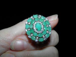 Изумрудное кольцо из серебра