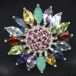Кольцо-цветок из серебра с камнями