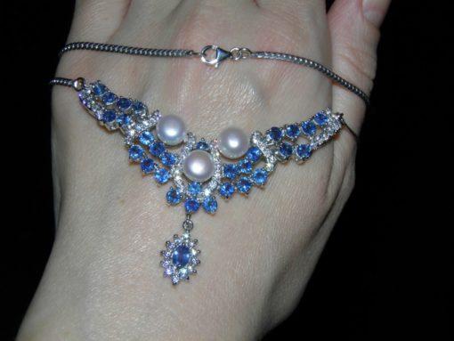 Серебряное ожерелье с жемчугом и сапфиром