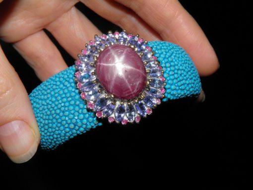 Ювелирные изделия со звёздчатым рубином в Украине