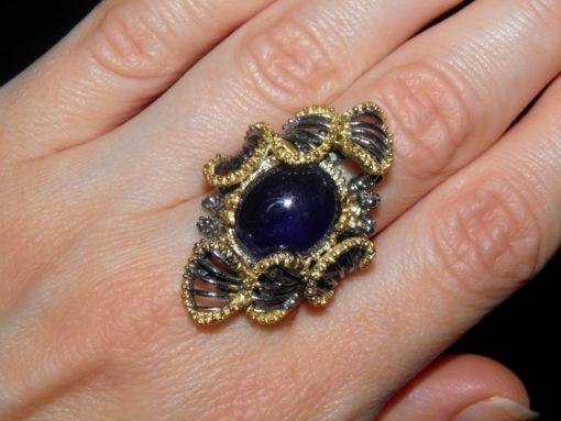 Коктейльное кольцо с натуральным сапфром