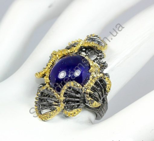 Серебряное кольцо ручной работы с натуральным сапфиром