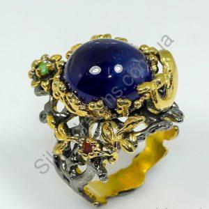Коктейльное кольцо из серебра с натуральным сапфиром