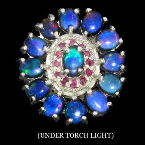 Серебряный перстень с чёрными опалами и рубинами