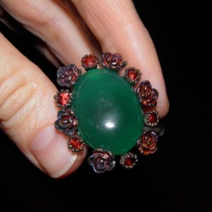 Дизайнерские ювелирные изделия с природными камнями в Украине