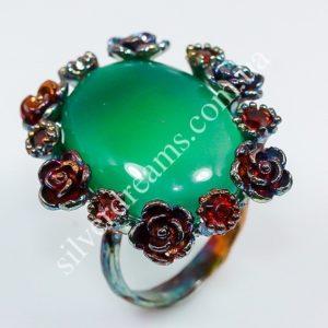 Коктейльное кольцо из серебра с ониксом