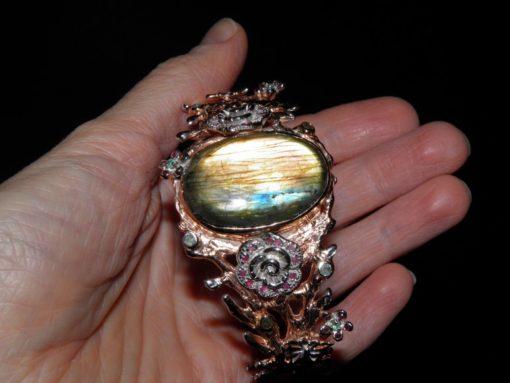 серебряный браслет с гигантским лабрадоритом