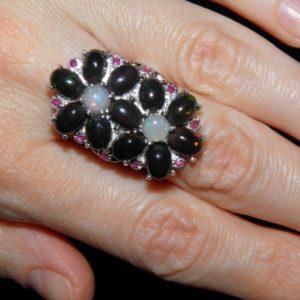 опаловый перстень из серебра