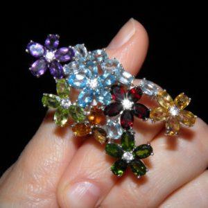 Коктейльное кольцо из серебра с мультикамнями