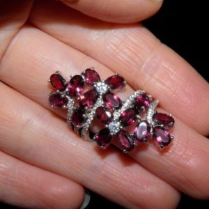 Серебряное кольцо с натуральными родолитами