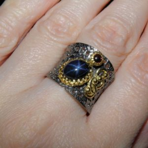 Серебряное кольцо со звёздчатым сапифром
