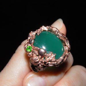 Коктейльное кольцо с крупным ониксом
