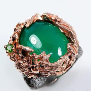 Серебряный перстень с крупным ониксом