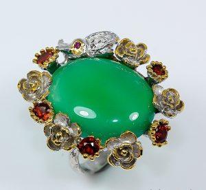 Дизайнерское серебряное кольцо с зелёным ониксом