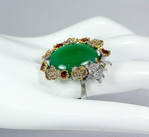 Серебряный перстень с крупным зелёным ониксом