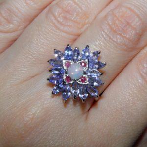 Серебряное кольцо Танзанит-Опал-Рубин