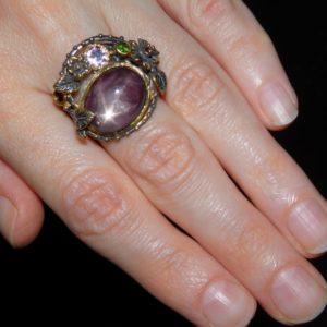 Серебряный перстень с натуральным звёздчатым рубином