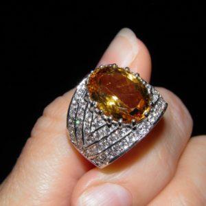 Серебряное кольцо с крупным цитрином