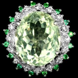 Серебряный перстень с крупным зелёным аметистом