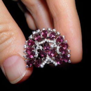 Серебряное кольцо с родолит-гранатами