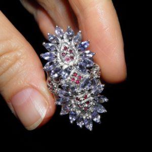 Коктейльный перстень из серебра Танзанит-Рубин