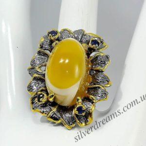 Коктейльное кольцо из серебра с крупным агатом