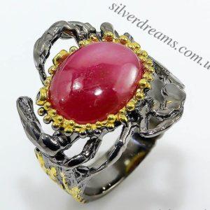 Серебряное кольцо с крупным натуральным рубином