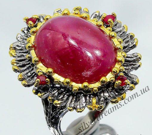 Коктейльный перстень из серебра с крупным рубином