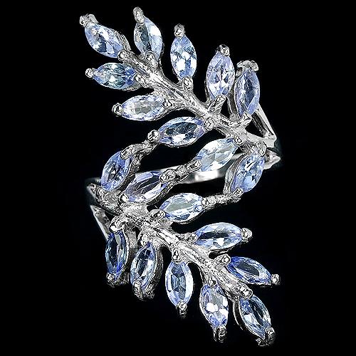 Танзанитовое кольцо из серебра