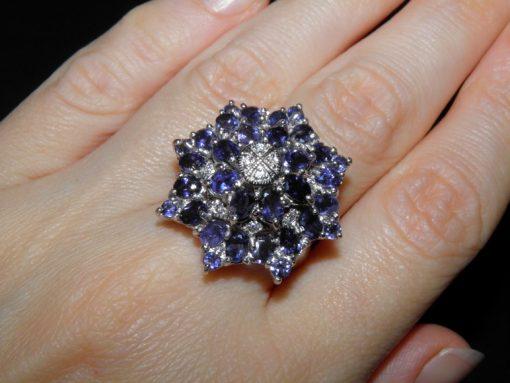 Иолитовый перстень из серебра