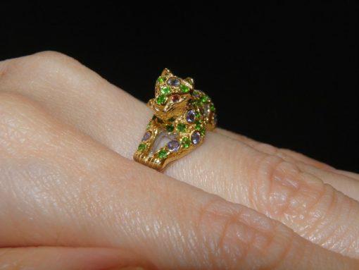 Серебряное кольцо Пантера с танзанитом и диопсидом
