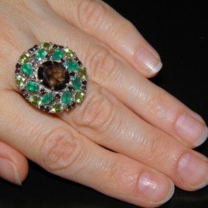 Коктейльный перстень из серебра с раухтопазом агатом хризолитом