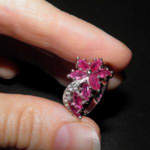 Купить кольцо из серебра с рубином
