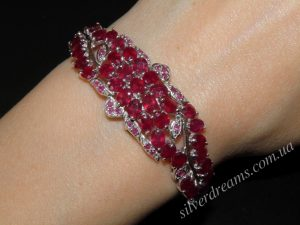 Серебряный браслет с натуральным рубином