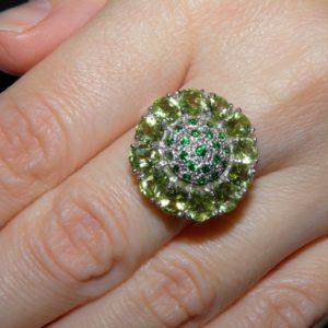 Хризолитовое кольцо из серебра