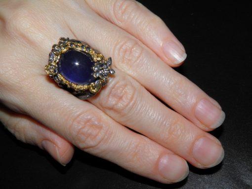 Серебряное кольцо с гладким сапфиром