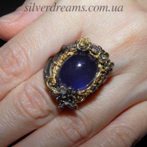 Серебряный перстень с крупным натуральным сапфиром