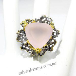 Дизайнерский перстень с розовым кварцем