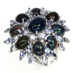 Серебряное кольцо с чёрным опалом и танзанитами