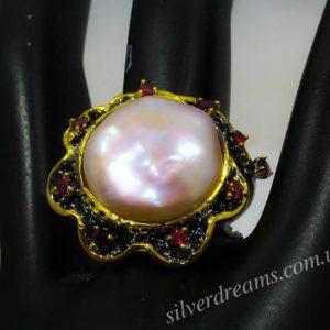 Коктейльное кольцо из серебра с барочным жемчугом