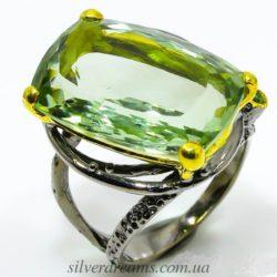 Коктейльное кольцо из серебра с зелёным аметистом
