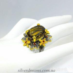 Коктейльное кольцо из серебра с раухтопазом
