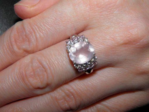 Серебряное кольцо с розовым кварцем