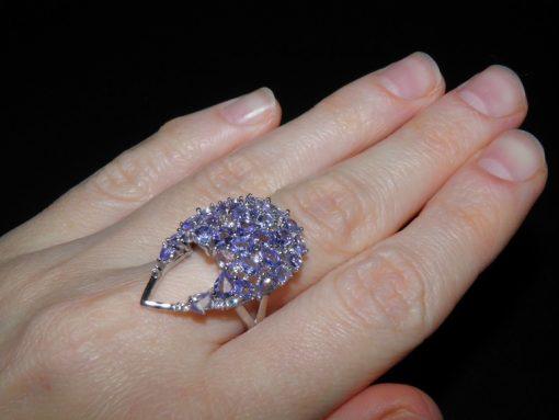 Кольцо из серебра с натуральным танзанитом