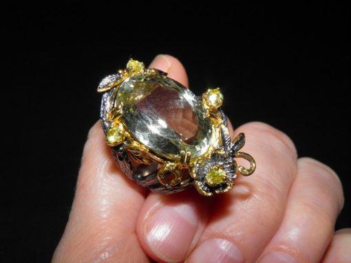 Коктейльное кольцо из серебра с празиолитом