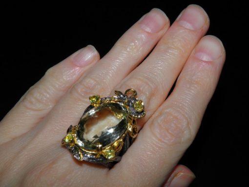 Дизайнерское кольцо из серебра с зелёным аметистом