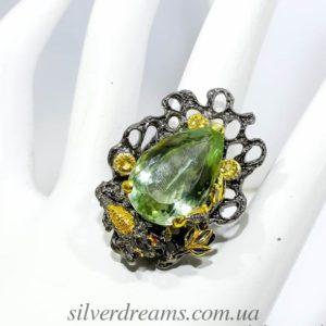 Серебряное кольцо с зелёным аметистом